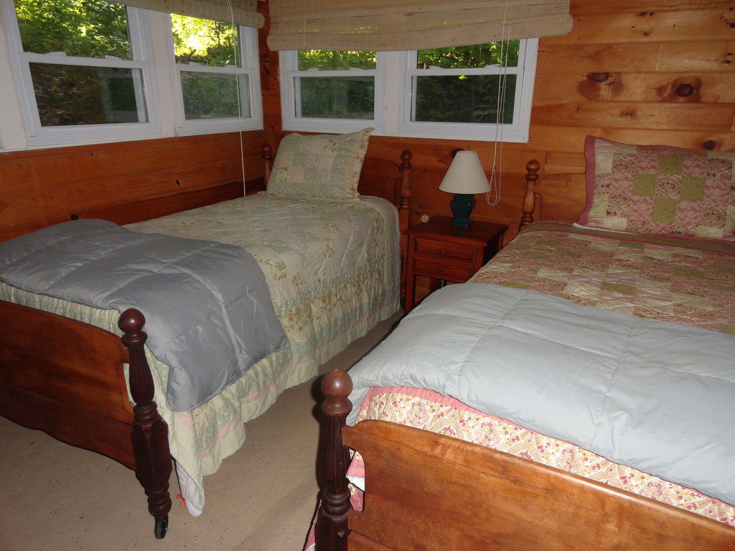 East cottage bunk house with bedrooms