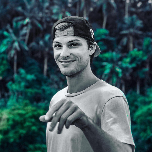 Tom Kuegler - Medium, YouTube, and LinkedIn Star - Tom is…Events- Building an audience using videos- Round-table: The reality of the Digital Nomad lifestyle
