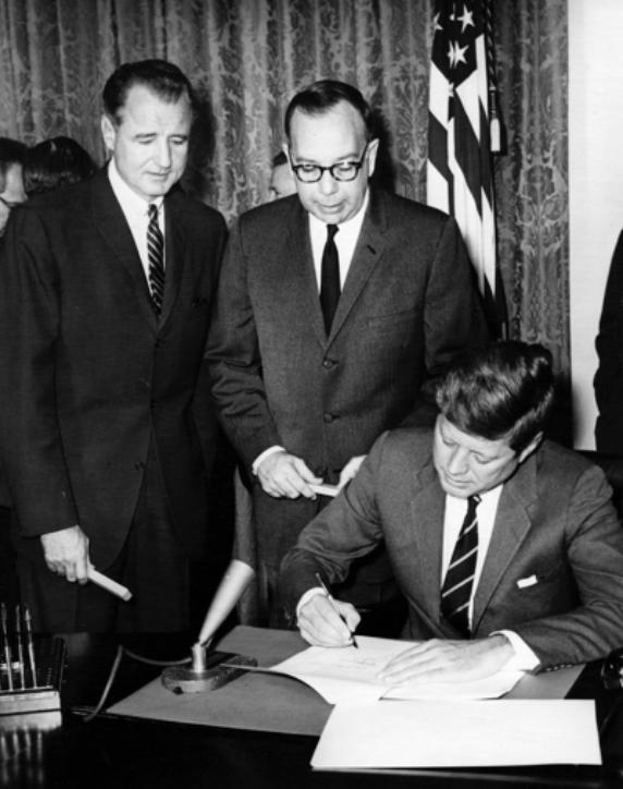 JFK signing the CMHA (1963)