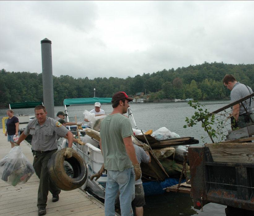 lakeshore-cleanup.jpg