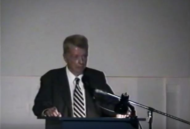 Paul Rudolph speaking about the 'DNA of Architecture'. Photo: SCI-Arc Media Archive, YouTube