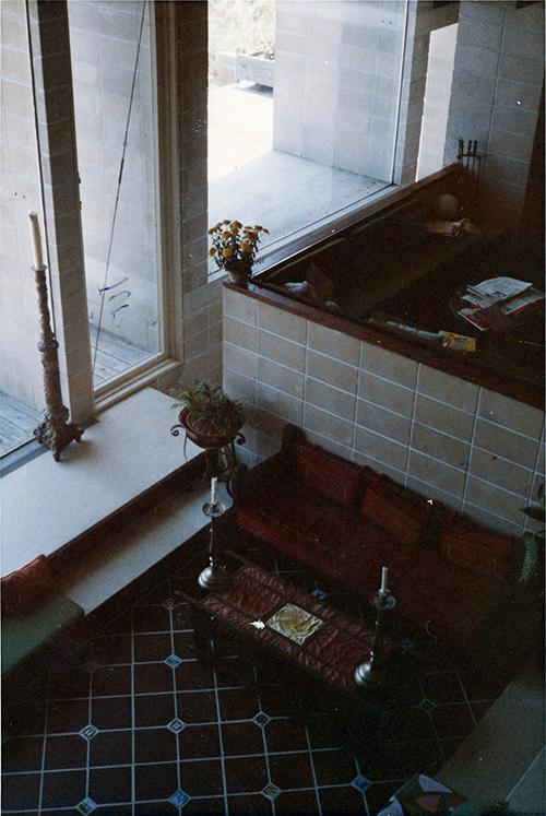 Milam Residence. Building Interior.