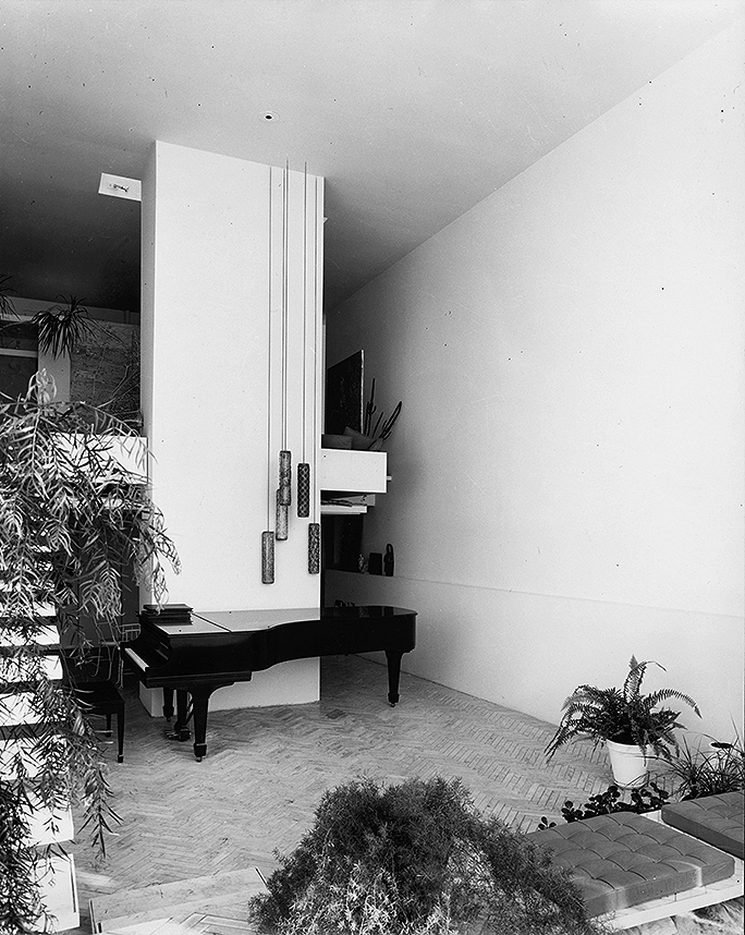 Rudolph residence, 31 High Street, New Haven, Connecticut. Photo of Interior circa 1963.