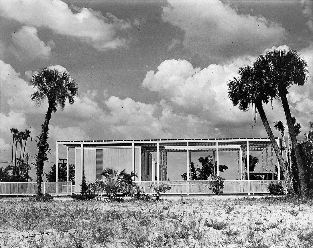 Umbrella House (Hiss residence), Lido Shores, Florida. Photo of Building Exterior.