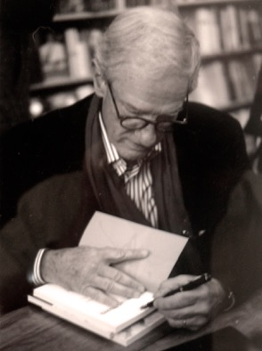 Mr. C. Errol Barron—architect, artist, photographer, writer—and the author of a fascinating memoir-essay about Paul Rudolph. Image: photograph by Lasimpson504, via Wikipedia.