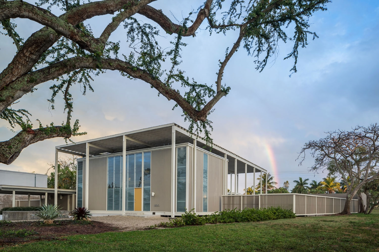 Umbrella House (Hiss residence), Lido Shores, Florida. Photo of Building Exterior taken February 27, 2019.