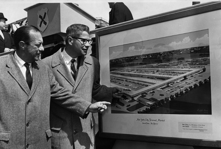 New York City Mayor Robert F. Wagner and U.S. Secretary of Agriculture Orville Freeman look at architect's drawing of new Hunts Point Market during the 1962 ground breaking ceremonies in the Bronx, NYC. The year of this image, and the fact that Wagner was New York City's mayor just prior to Mayor John V. Lindsay, suggests that the design shown is the market that was built prior to the announcement that Rudolph would become involved. Image courtesy of the Library of Congress Prints and Photographs Division