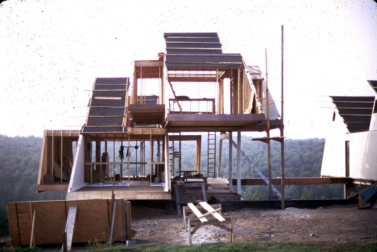 Green residence, Cherry Ridge, Pennsylvania. Photo of Building Exterior Under Construction.