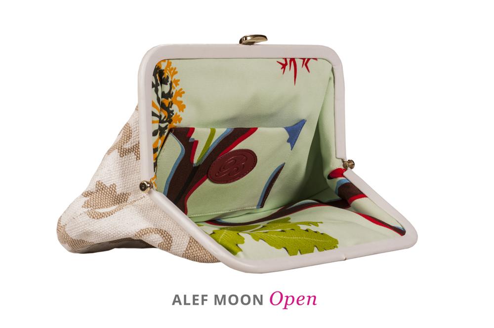 Alef-Moon-Open.jpg