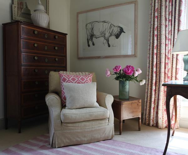 soc-Pink-Bedroom-4_517e18bf-da1b-4d7e-a92f-e17da122c024_grande.jpg