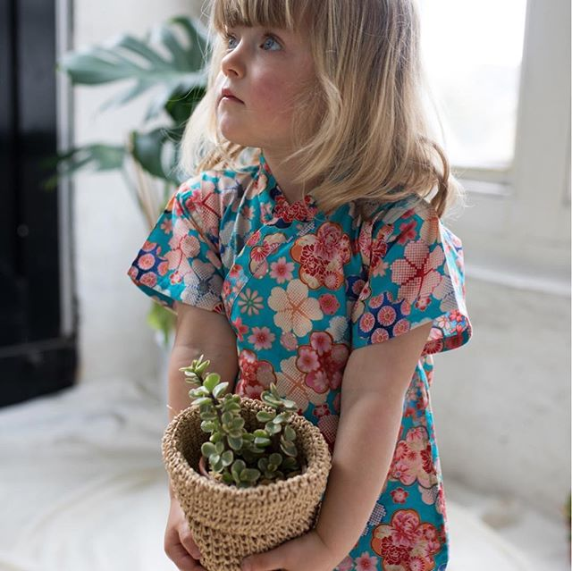 A Japanese touch with @kikicraftedwithlove sweet kimonos. For the full article, link in bio #ilovejapan #kimono #oliviabythelake #kidclothing #childrenswear #presentideas
