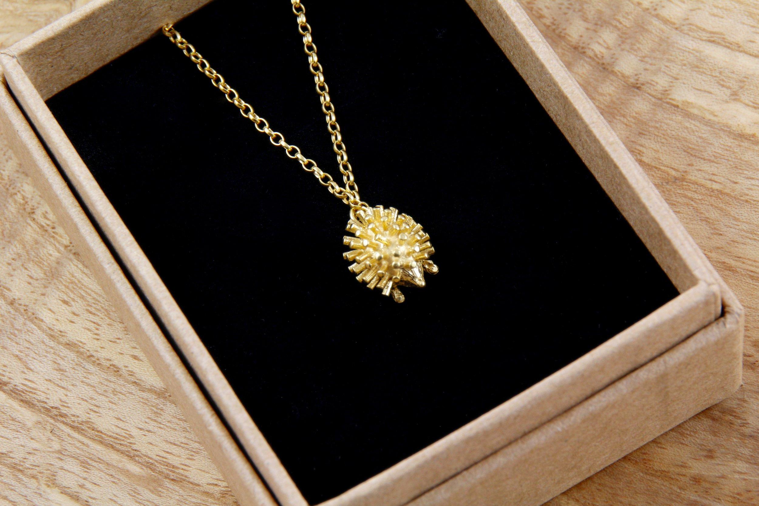 Hedgehog necklace in gold.jpg