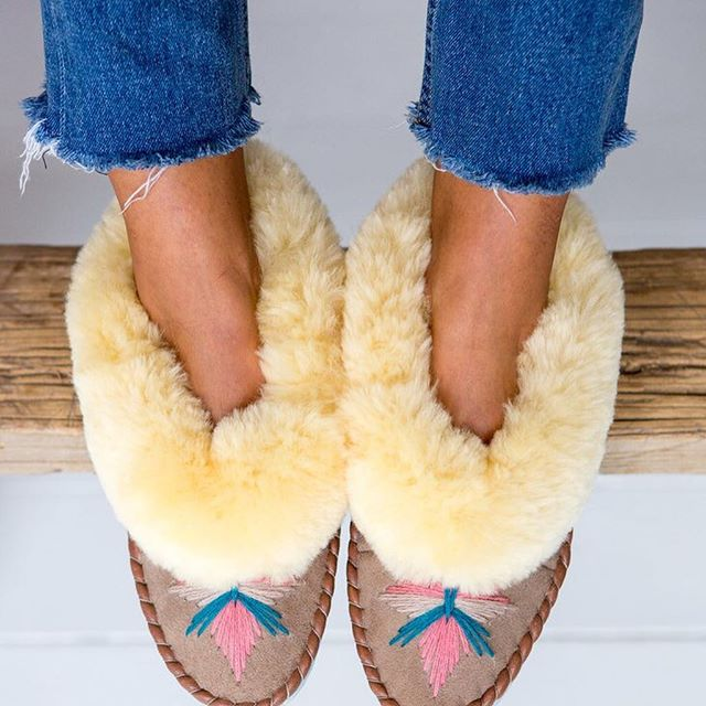 Great presents with @thesmallhome #sheepskinslippers #homeaccessories #interior #jewellery #fashion #oliviabythelake #smallbusiness