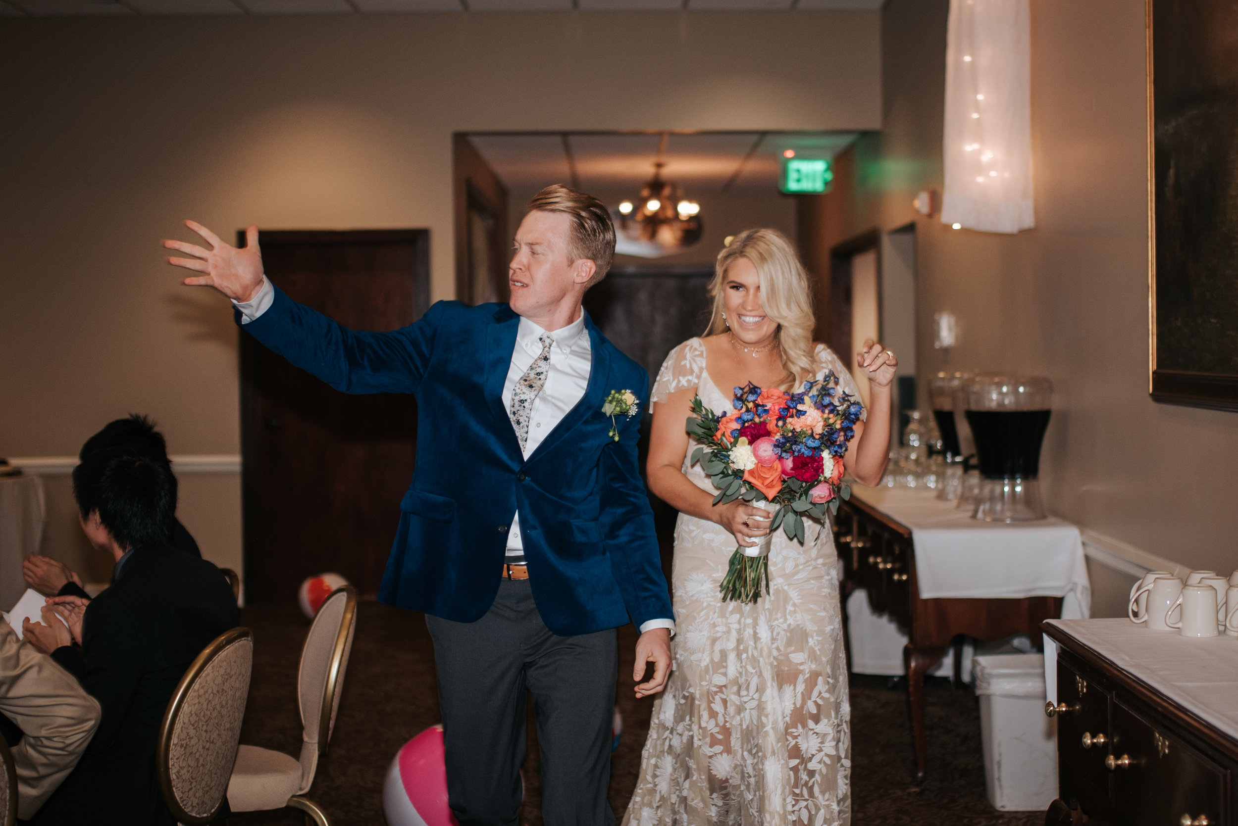 zayda-collin-panama-city-wedding-photography-trippy-bohemian-lisa-frank-wedding-dances-45.jpg