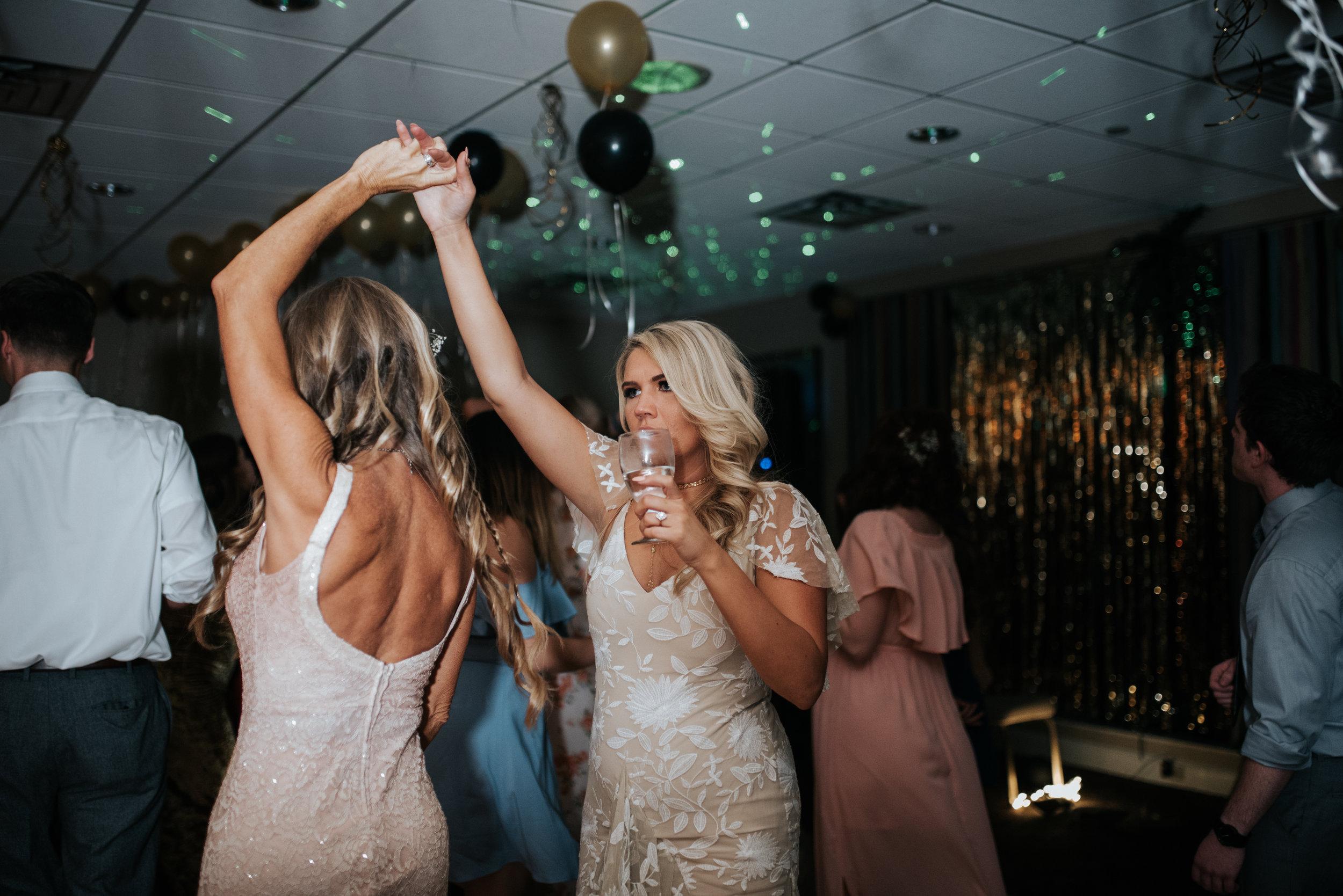 zayda-collin-panama-city-wedding-photography-trippy-bohemian-lisa-frank-wedding-dancing-party-103.jpg