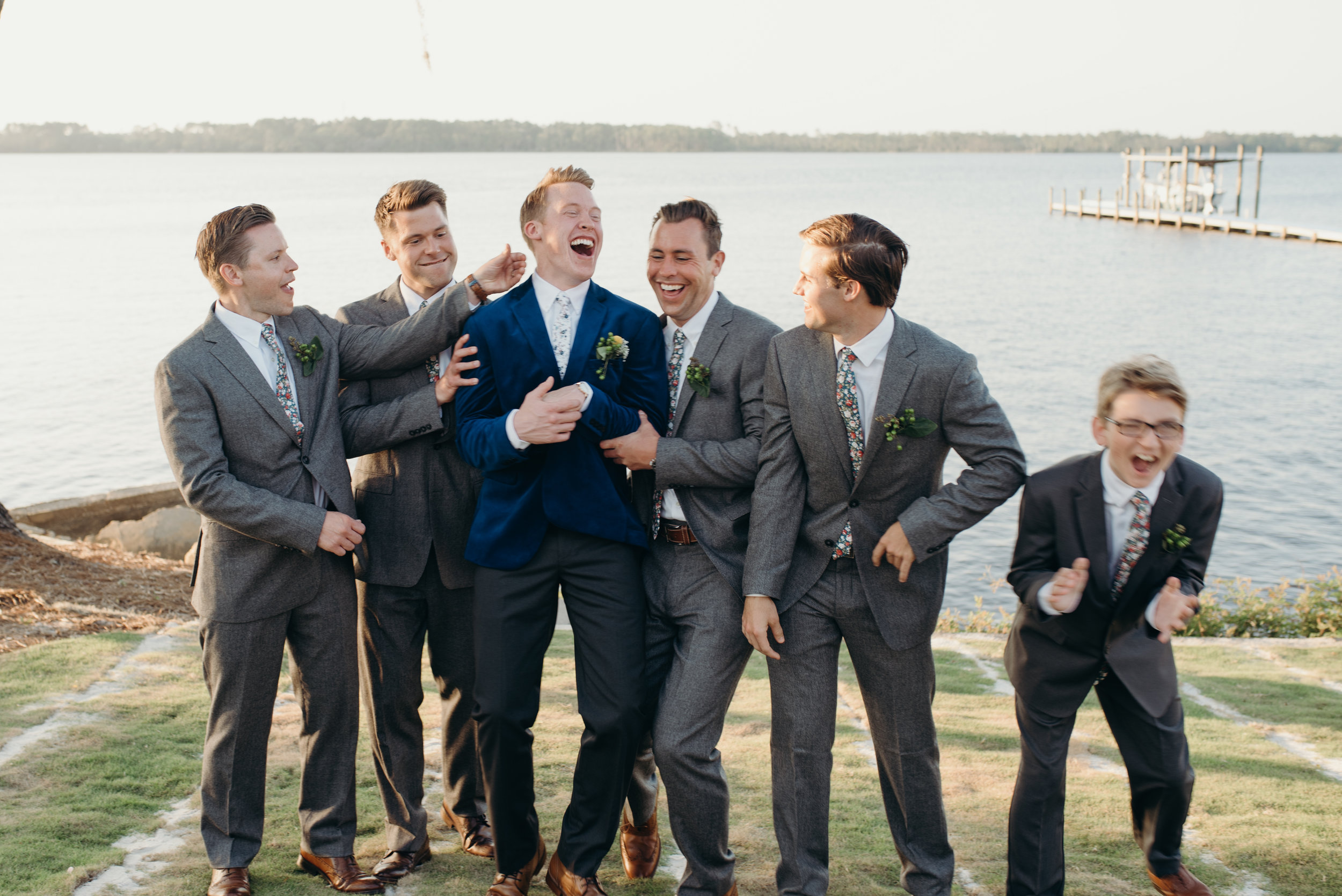 zayda-collin-panama-city-wedding-photography-trippy-bohemian-lisa-frank-wedding-group-shots-34.jpg