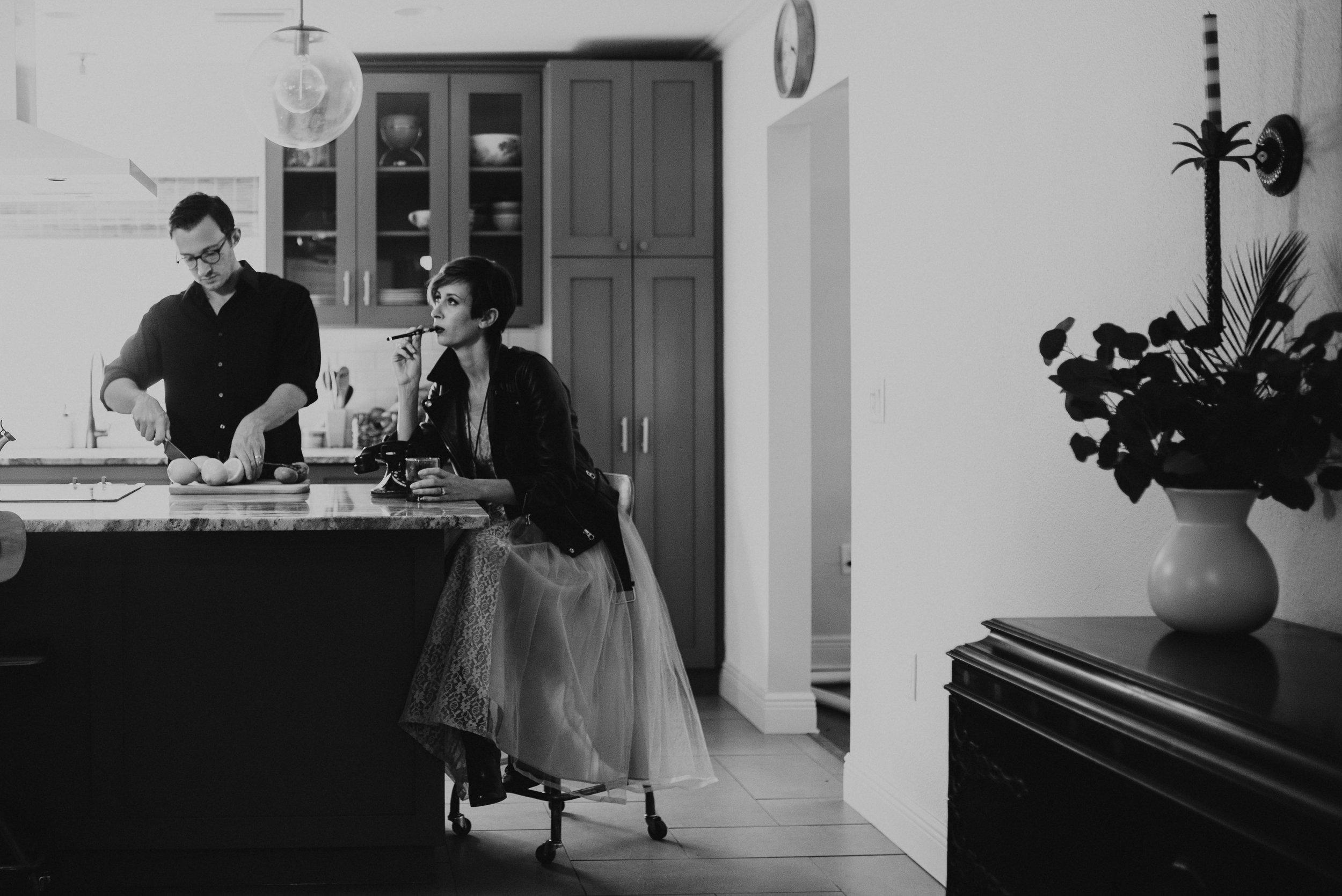 carissa-spencer-mid-century-editorial-in-home-couple-session-orlando-florida-123.jpg