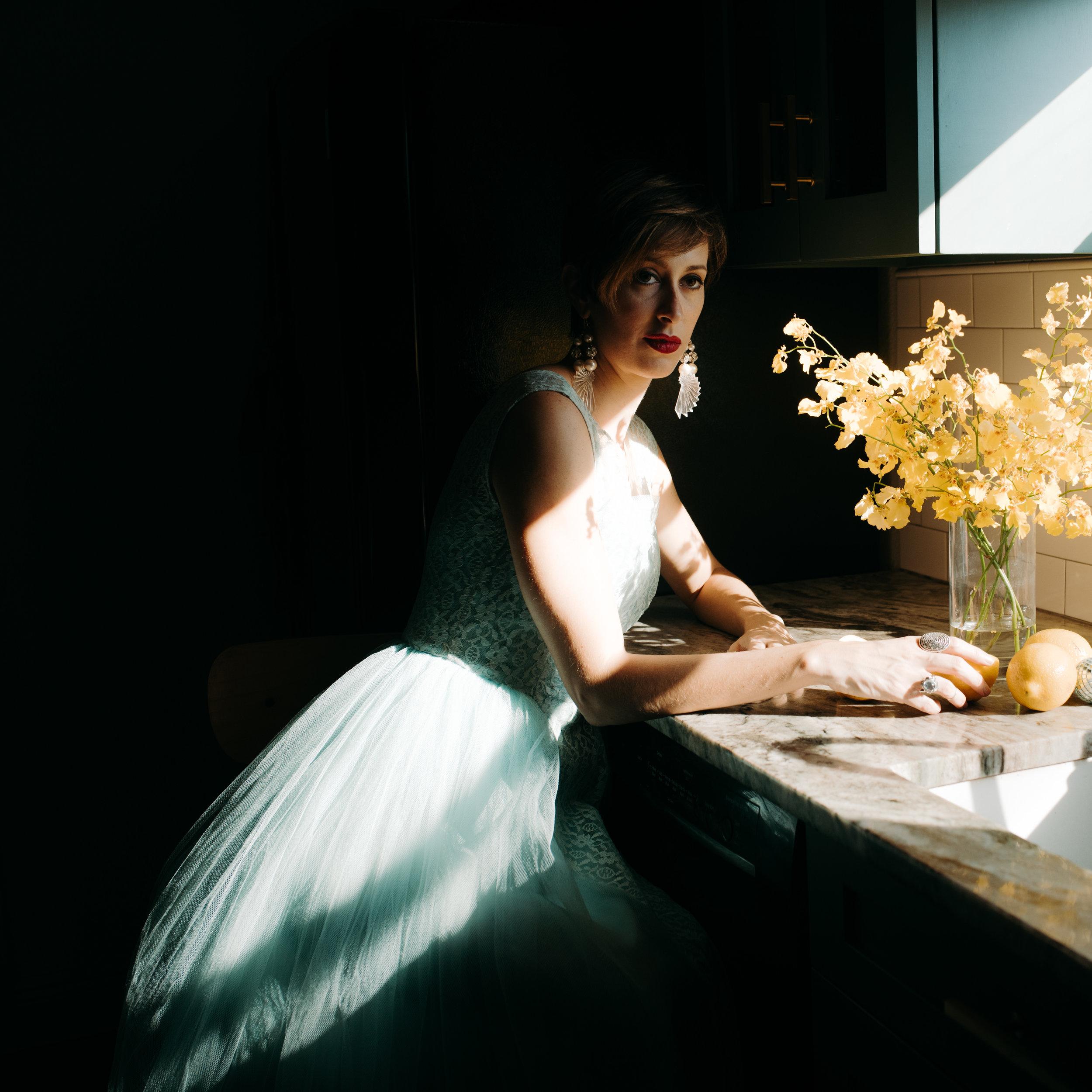 carissa-spencer-mid-century-editorial-in-home-couple-session-orlando-florida-167.jpg