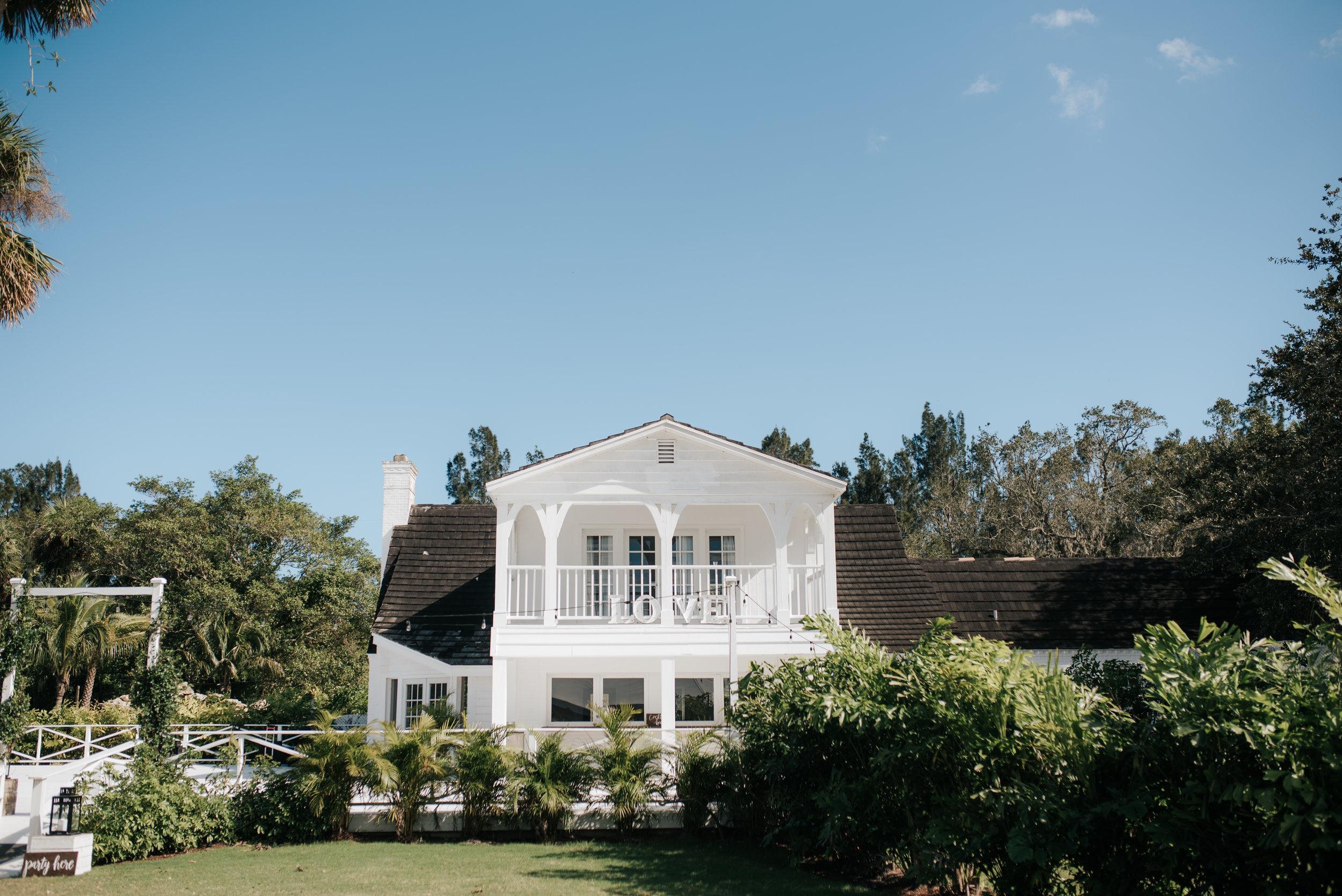 micayla-greyson-neumann-vero-beach-lake-house-winter-white-wedding-photography-98.jpg