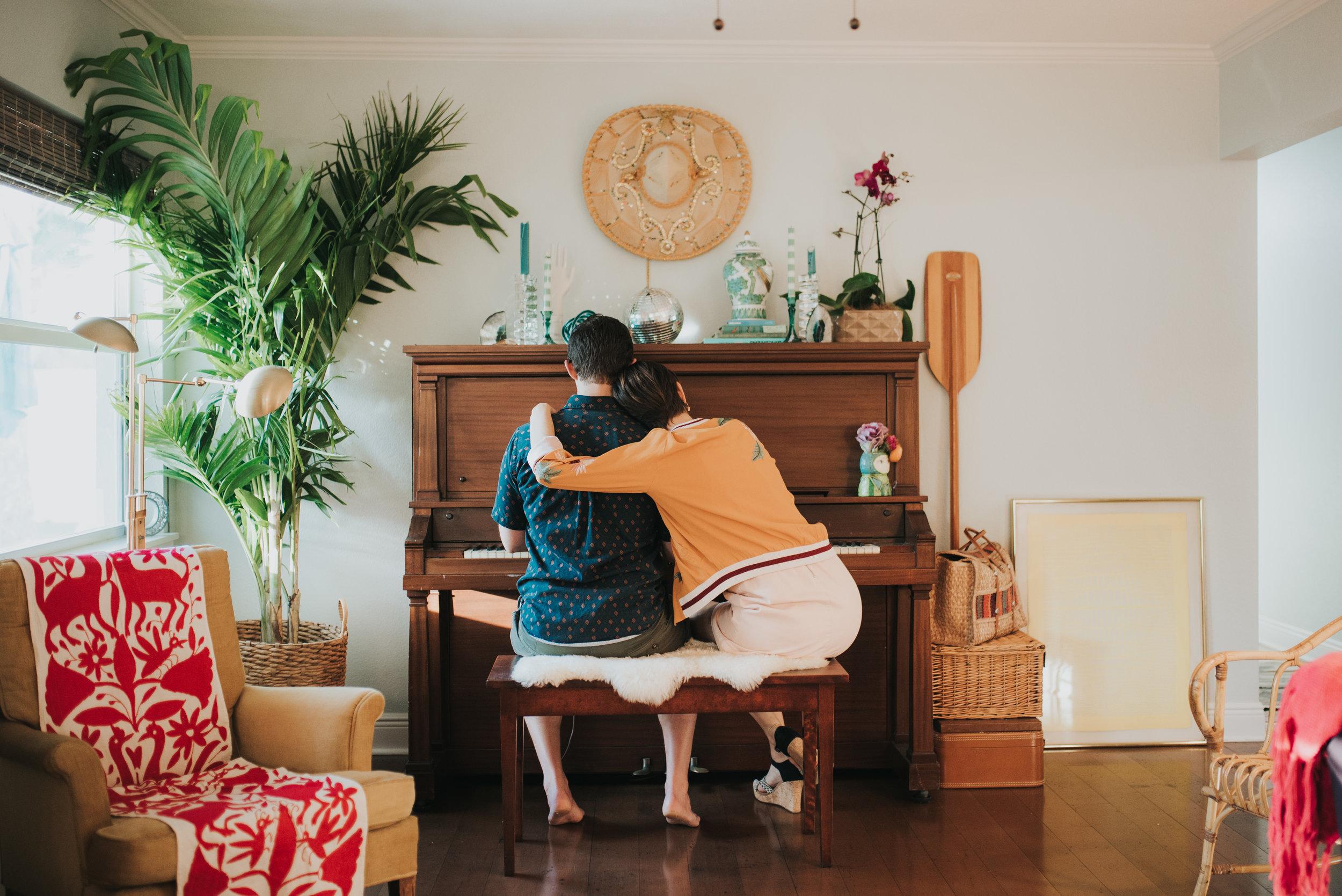 carissa-spencer-mid-century-editorial-in-home-couple-session-orlando-florida-245.jpg