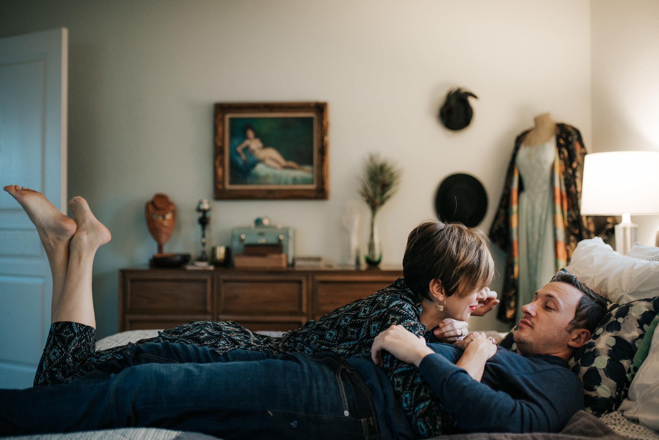carissa-spencer-mid-century-editorial-in-home-couple-session-orlando-florida-319.jpg
