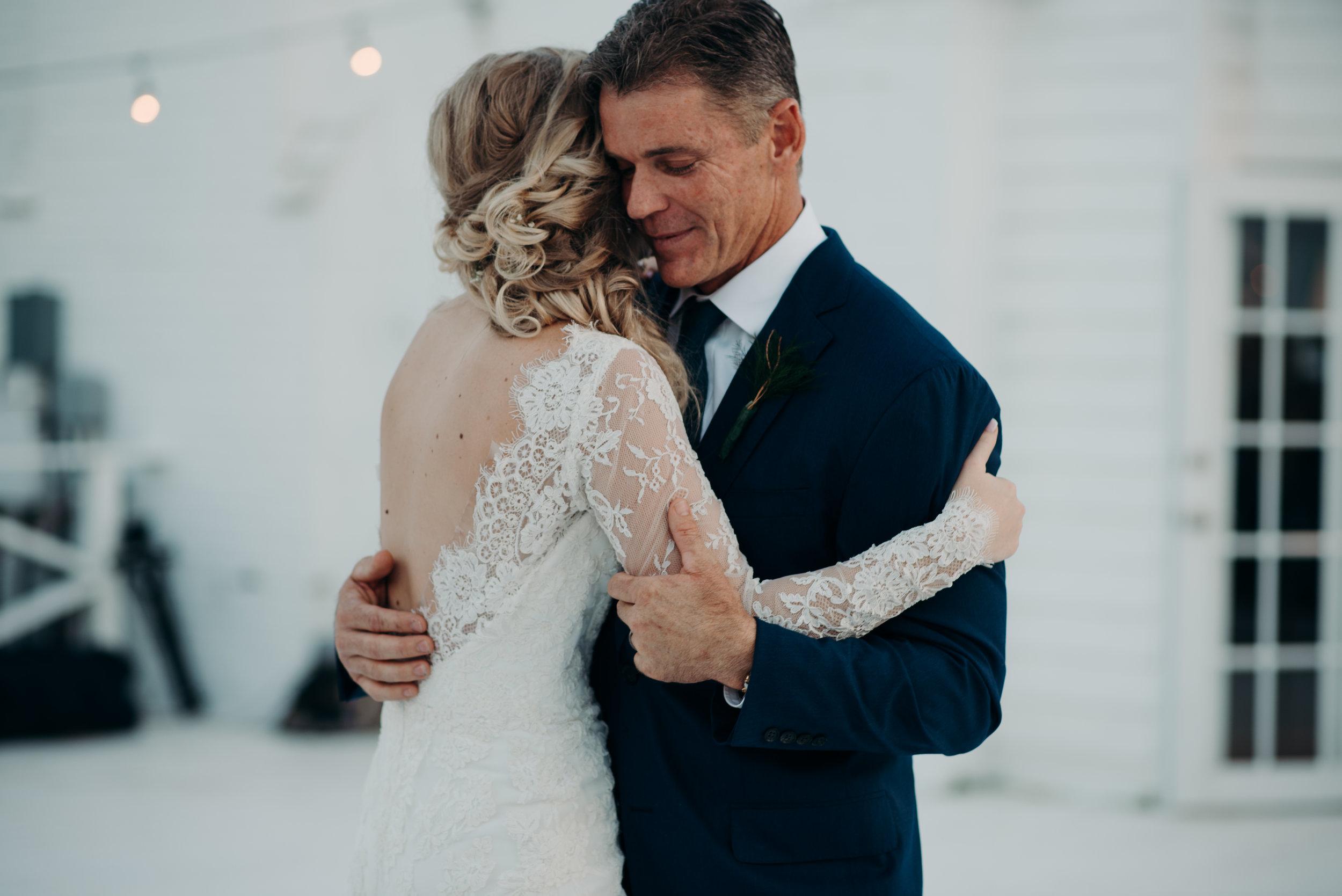 micayla-greyson-neumann-vero-beach-lake-house-winter-white-wedding-photography-1055.jpg