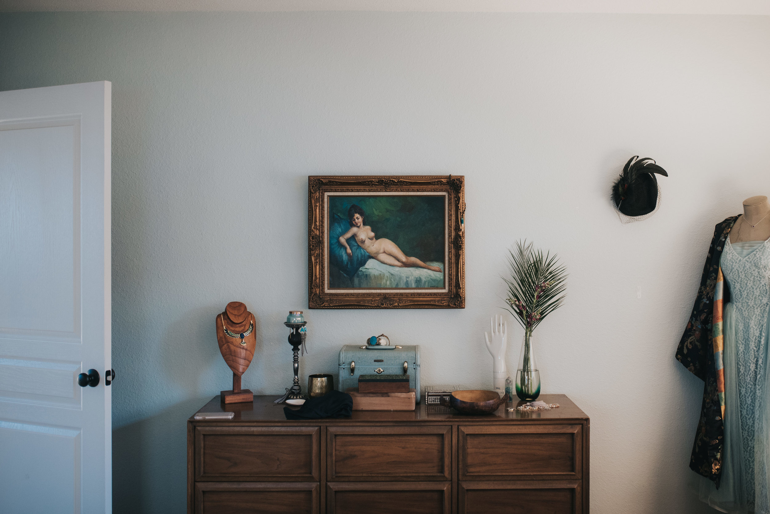 carissa-spencer-mid-century-editorial-in-home-couple-session-orlando-florida-288.jpg