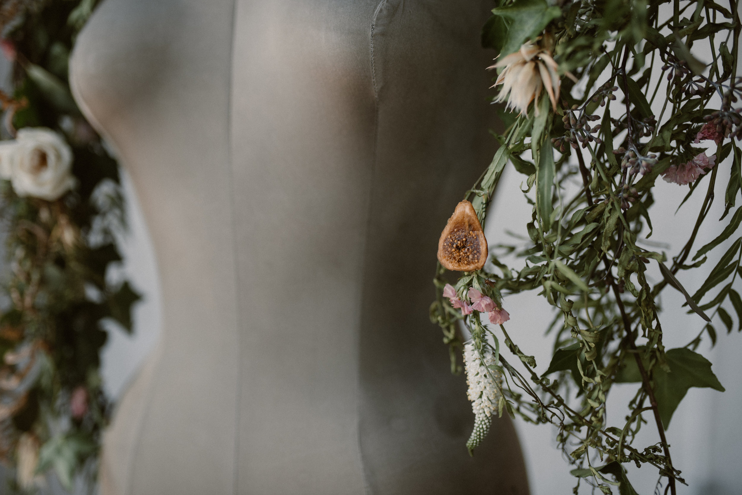 haus-820-minimal-editorial-wedding-styled-shoot-29.jpg