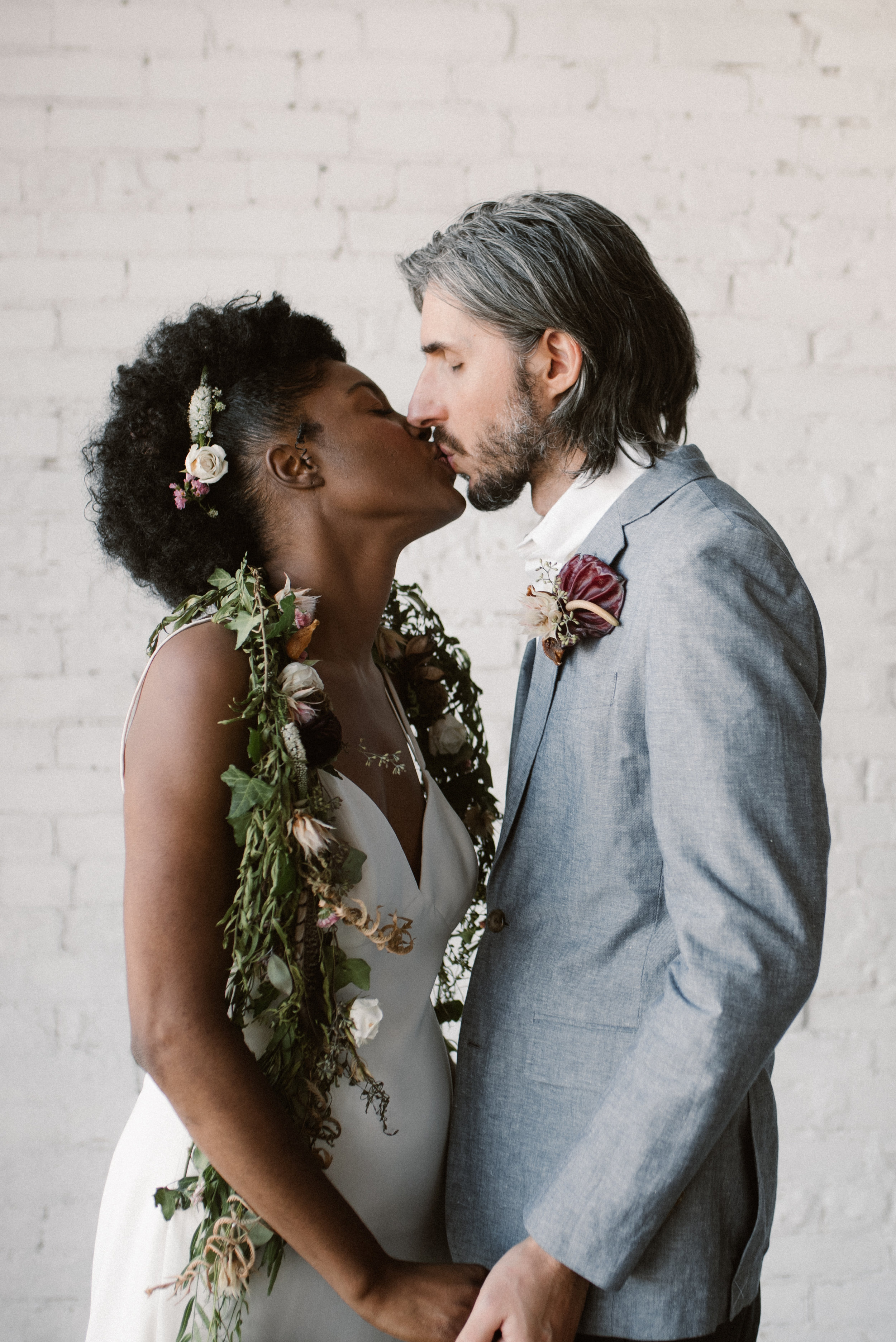 haus-820-minimal-editorial-wedding-styled-shoot-56.jpg