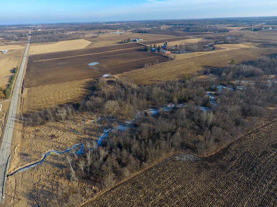 Real Estate - We use aerial maps to help in the sale of land or property. For anyone that is looking at purchasing a big chunk of land, a new aerial view is critical is determining if it's right for you.