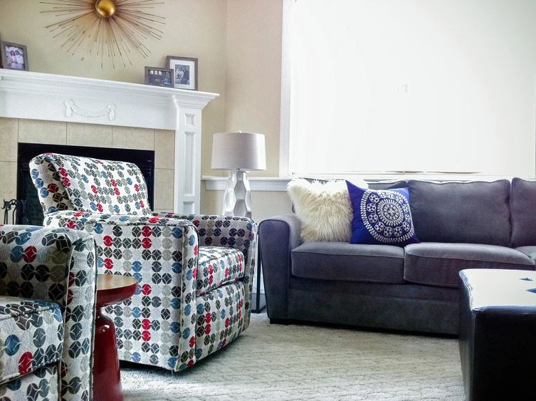 fireplace-couches.JPG