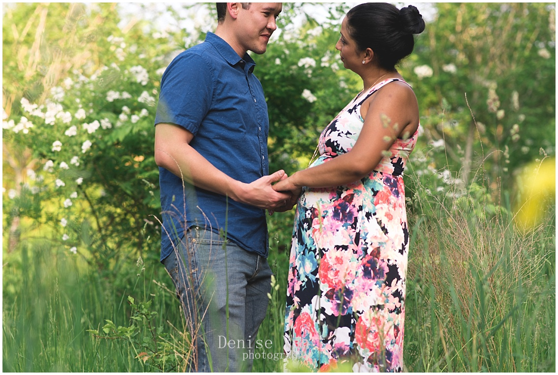 Denise-Van-Photography-Savage-Mills-Maternity-Session_0058.jpg