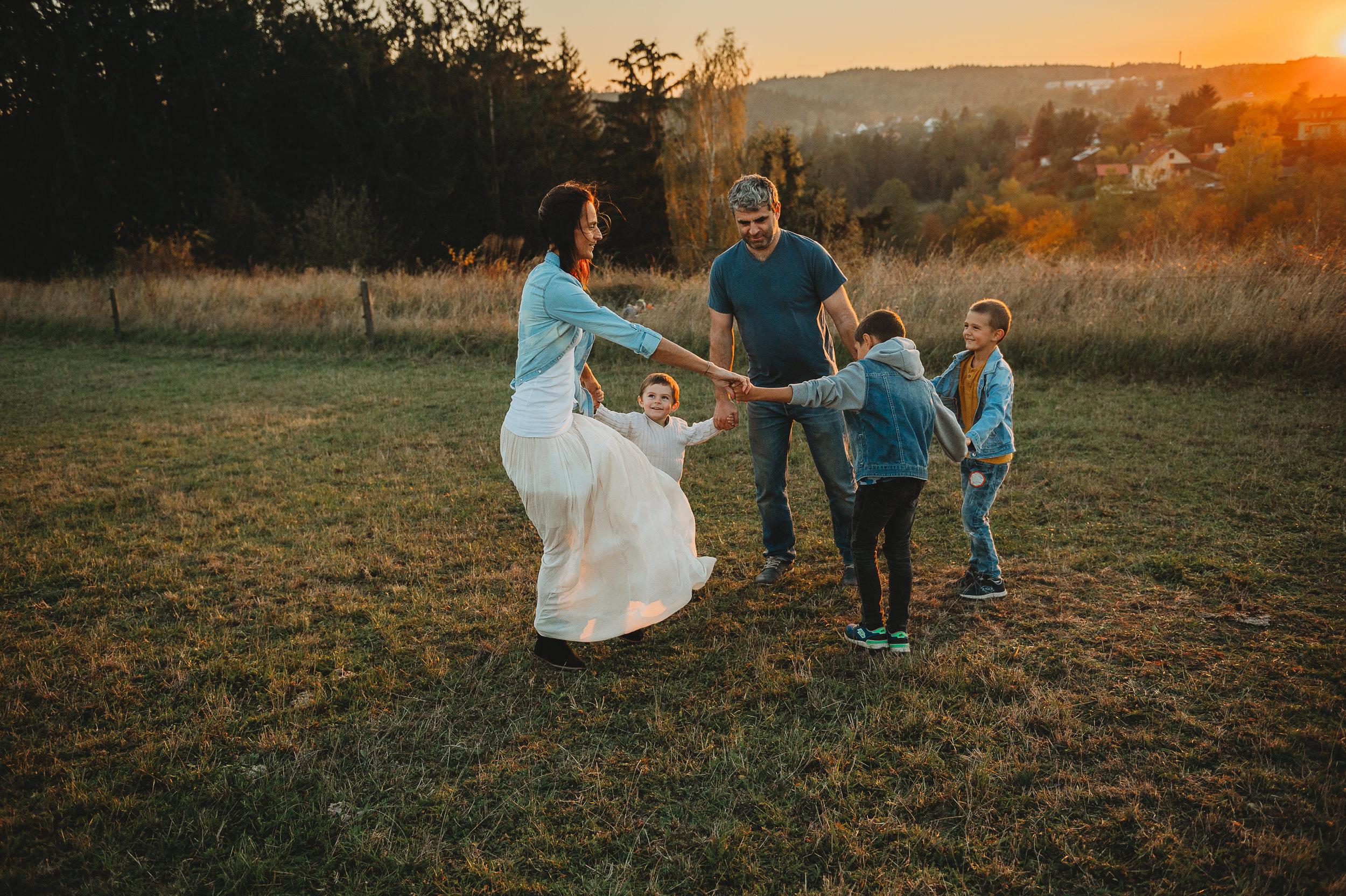Rodinné focení (interiér i exteriér) / Těhotenské focení / Rande