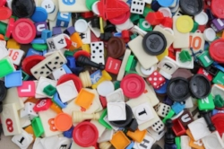 huge-lot-of-assorted-vintage-game-parts-playing-pieces-tiles-dice-chips-counters-Laurel-Leaf-Farm-item-no-s72232-2.jpg