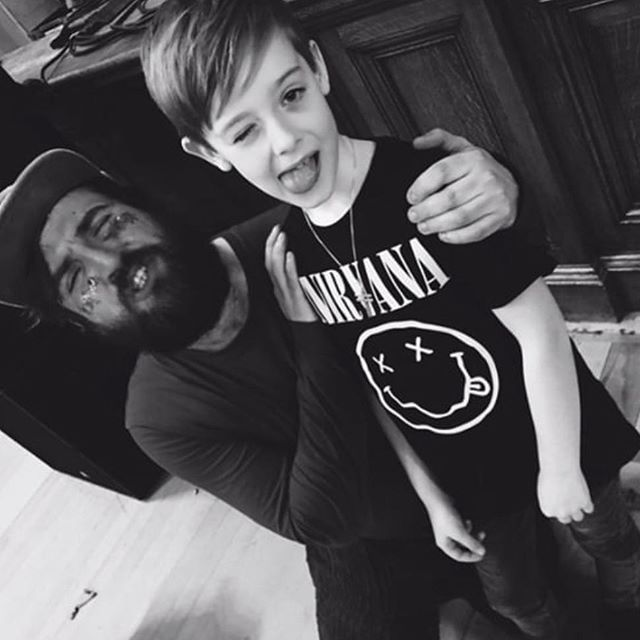 This little guy thought that @pictishtrail 's music sounded like SPACE! What a legend. ⚡️🖤 (📸 @christieandthescream)