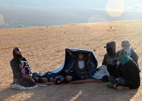 Several members of the extended al Abu al-Kabash family in the field they removed to early in the morning. Photo by 'Aref Daraghmeh, B'Tselem, 24 April 2018