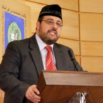 Imam Yahya Hendi makes an impassioned appeal for Muslim-Jewish peace during the Third World Congress of Imams and Rabbis, Dec. 15-17, 2008 in Paris.