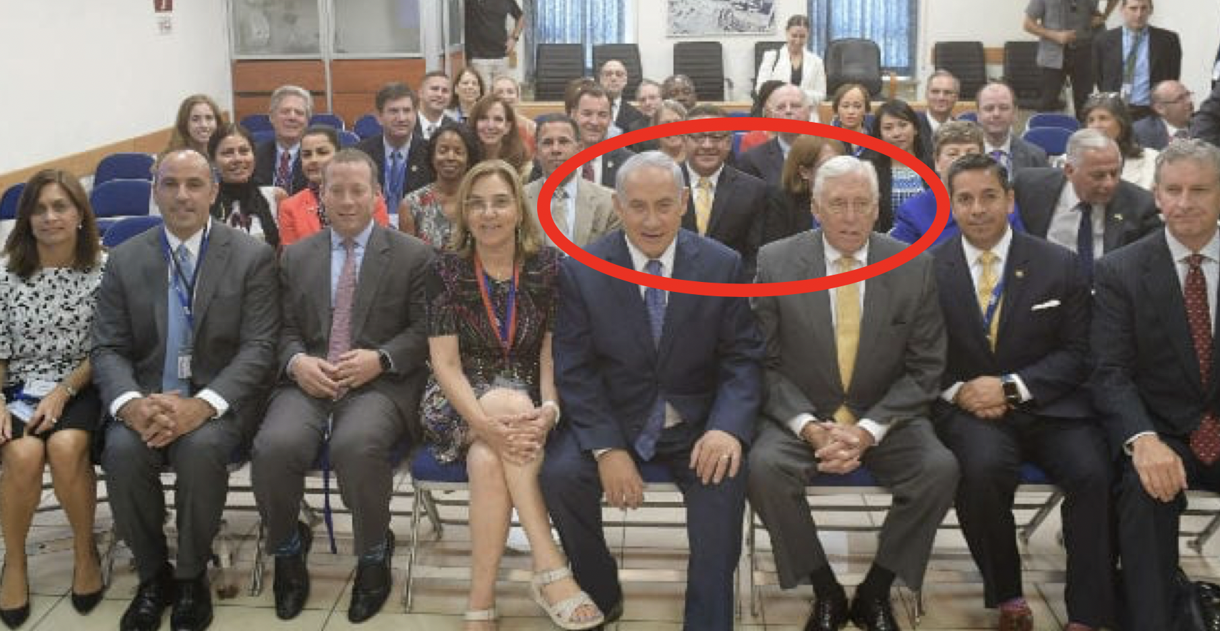 Rep. Steny Hoyer (D-XX) sits next to Israeli Prime Minister Benjamin Netanyahu during the AIPAC trip for freshman Congress members in August 2017. (Saguy Moran)