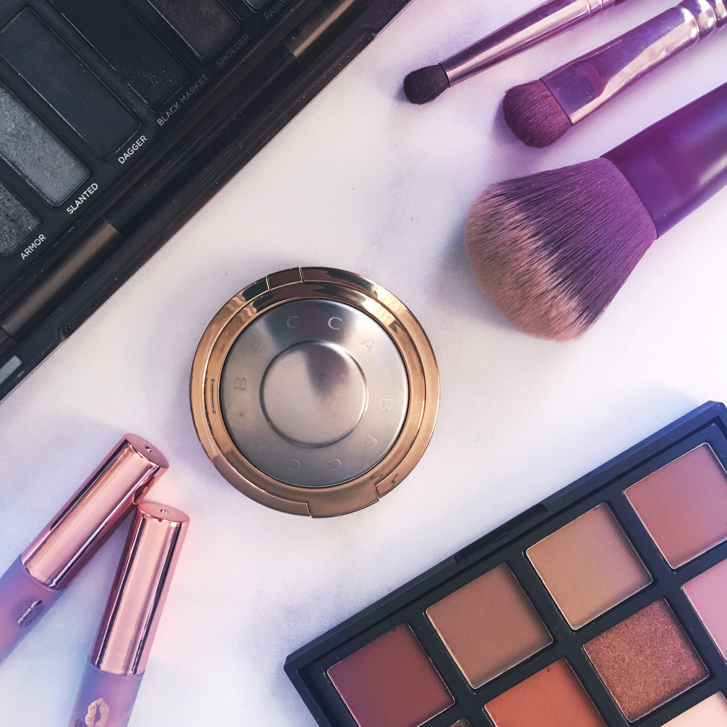 Make up BECCA shimmering skin perfector pressed highlighter
