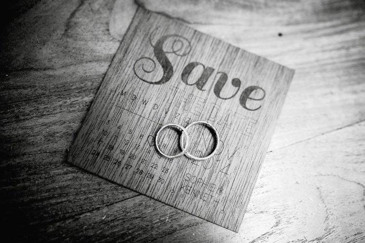 Save+the+date+kaartje+hout+lasergravure+huwelijk+uitnodiging+by+Xantifee+creative.jpg