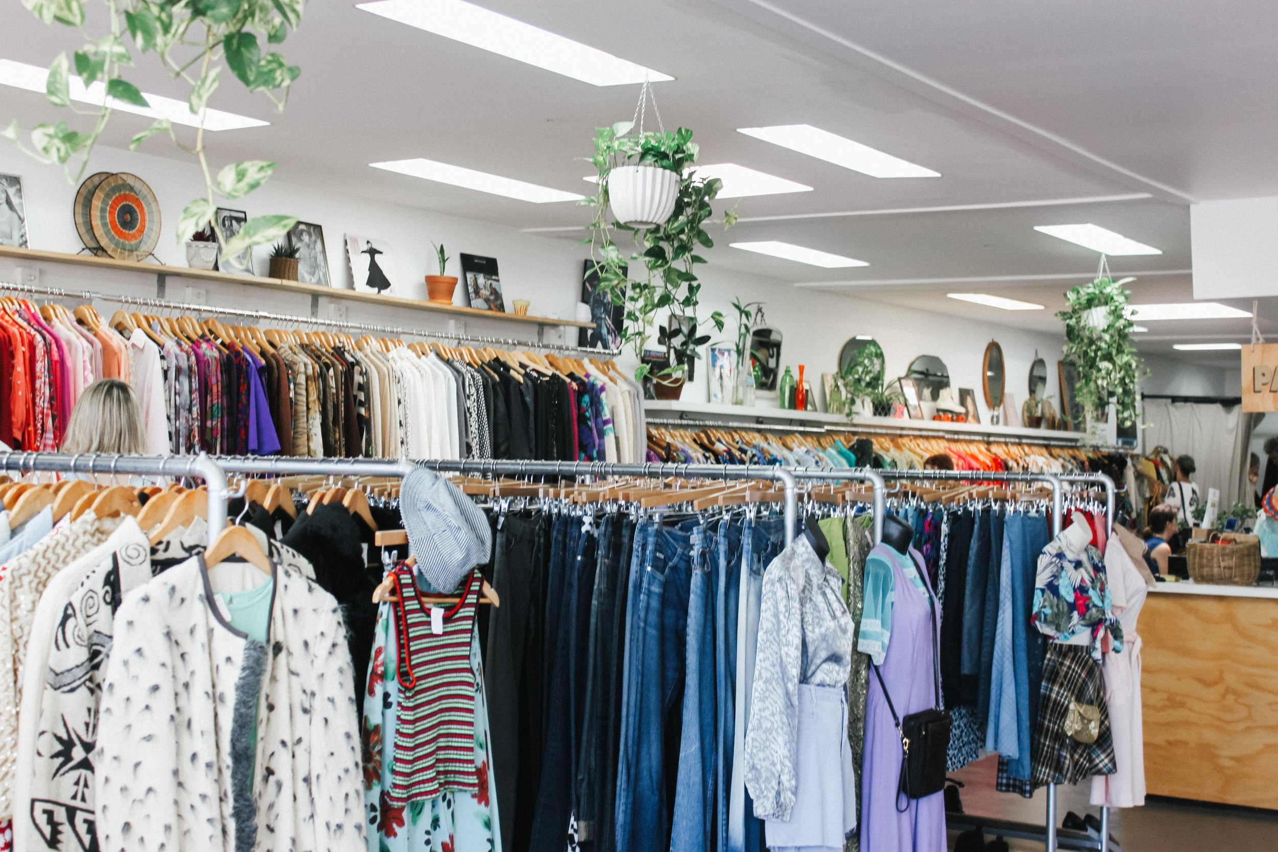 thrifting tips: top ten thrift store shopping tips