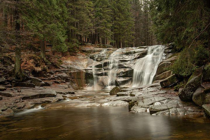 waterfall-3855172__480.jpg