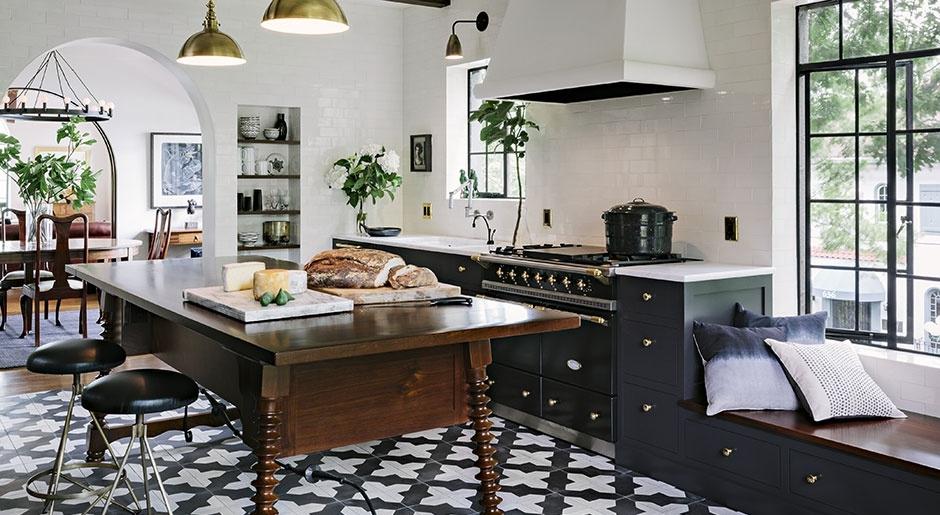 kitchen main photo 2.jpg