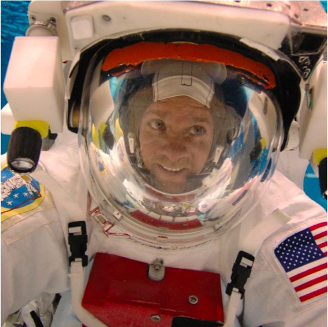 Robert Knight - Spacesuit Engineering