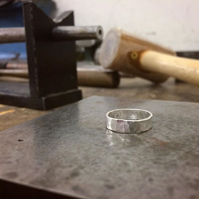 Making the basics with fire, metal and hammers. . . . #silversmithing #beginners #handcraftedjewelry #rings #thetett #hammeredrings