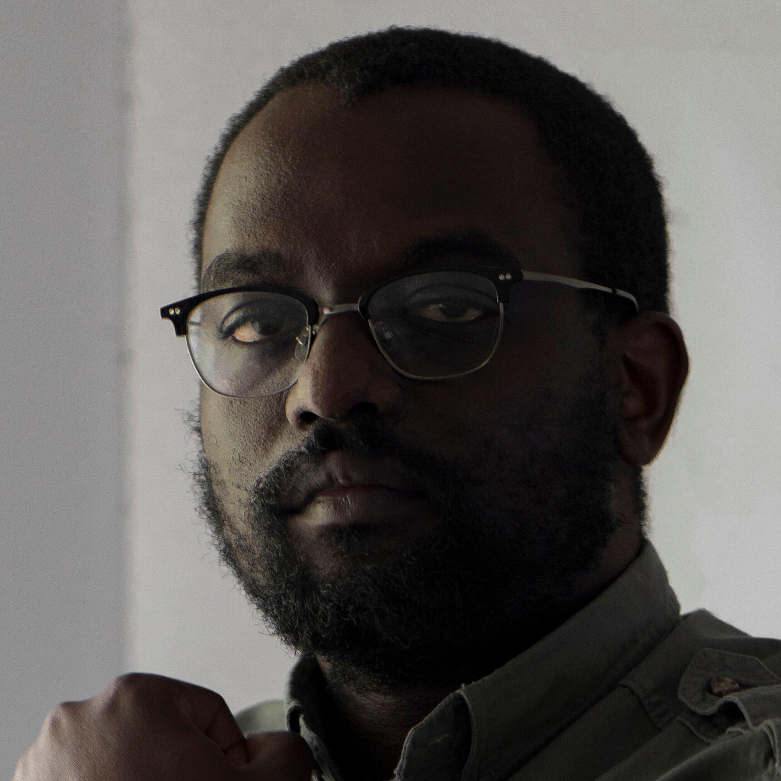 STEVEN CHIKOSI Harare, Zimabbwe @EverydayZimbabwe  stevenchikosi.com   @stevenchikosi