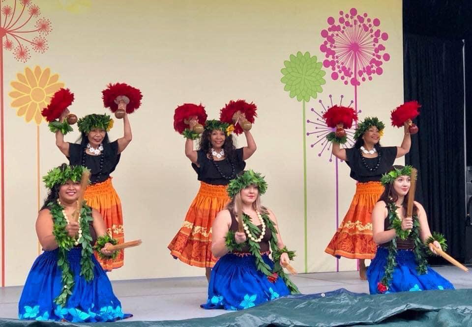 12:00 - 12:45Bella Domingo - Polynesian Dancers -