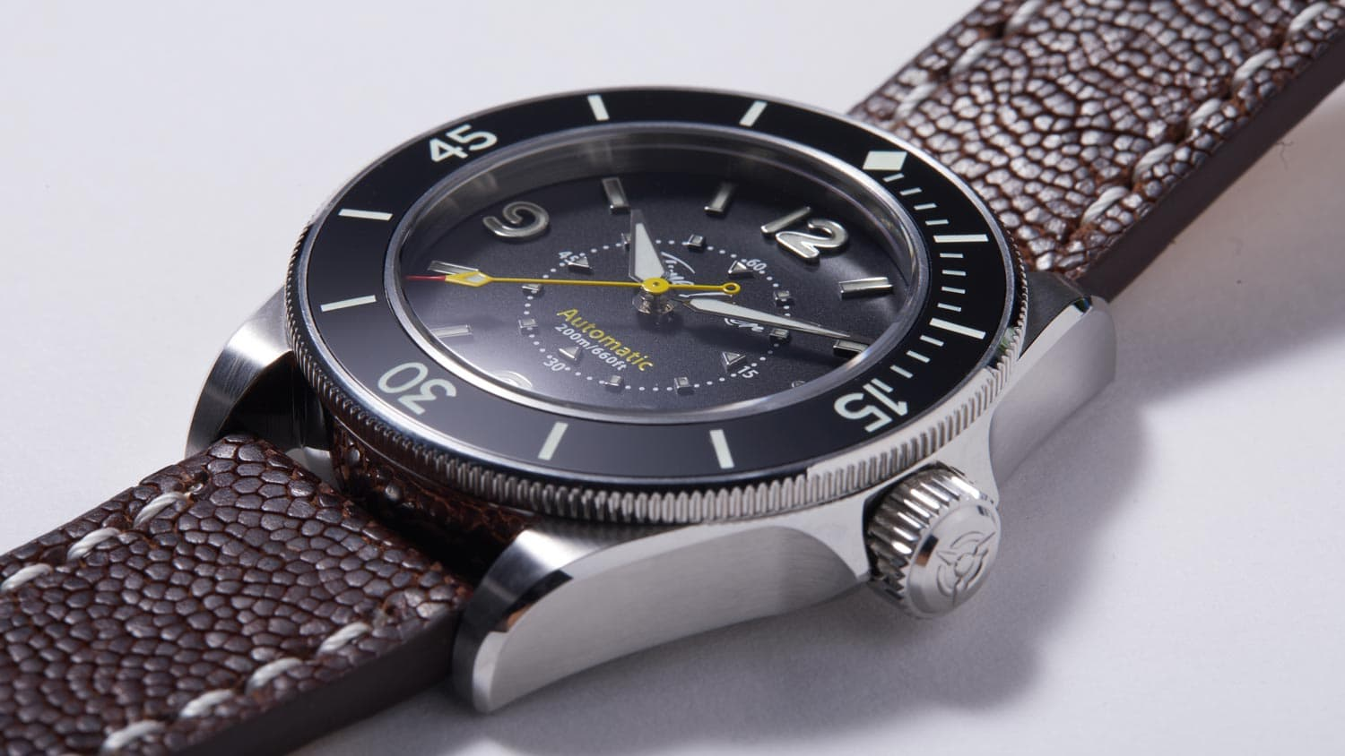 Diving watch ceramic bezel