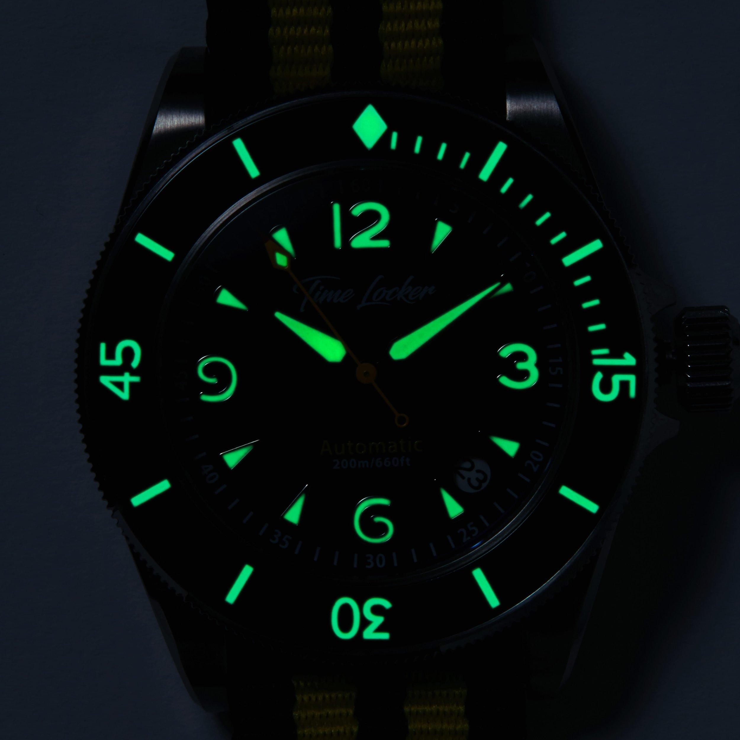 Kermadec-dive-watch-lume.jpg