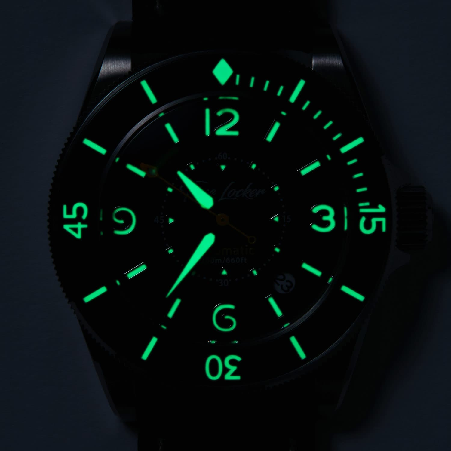 Kouriles-dive-watch-lume.jpg